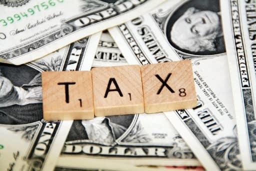 オンラインカジノの勝利金は税金の対象なのか