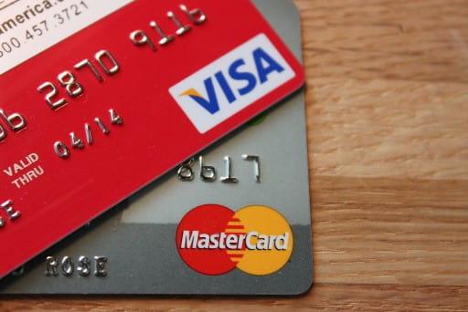 クレジットカード入金は便利だが使い過ぎには注意